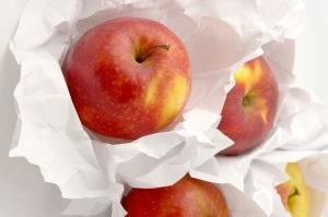 Подготовка фруктов для погреба