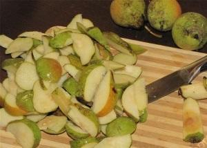 Подготовка груш на сушку