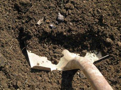 Подготовка земли в теплице к сезону