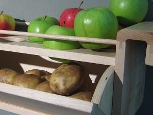 С чем рядом нельзя хранить яблоки?
