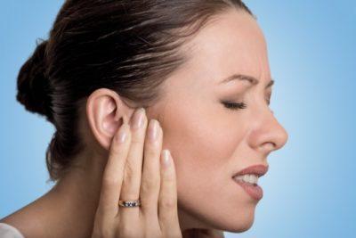 Можно ли закапать уши борной кислотой