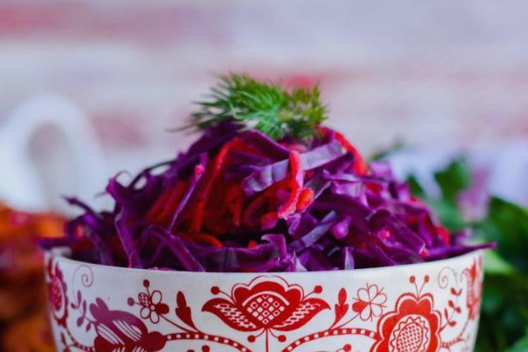Как засолить краснокочанную капусту без уксуса