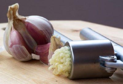 Настойка чеснока на водке - рецепты приготовления, применение Видео